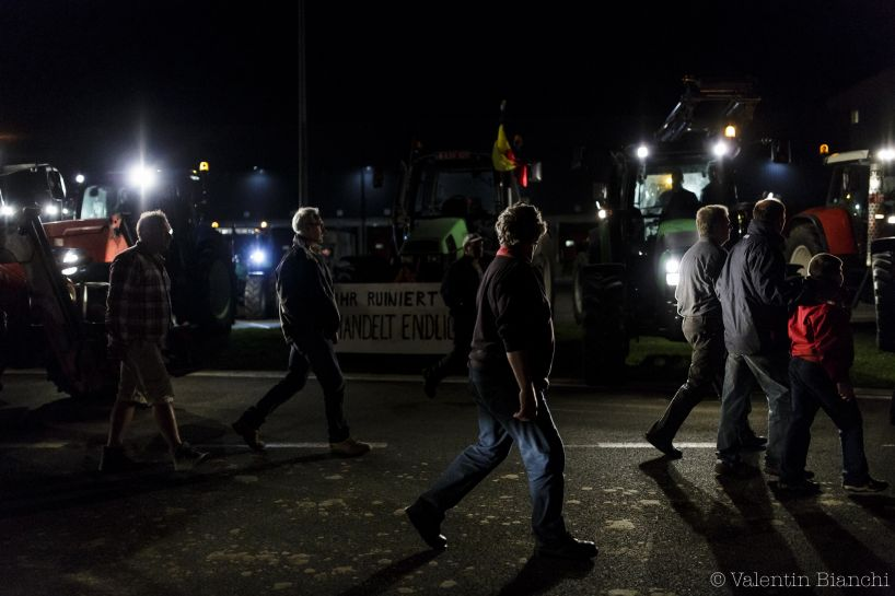 Blocking action at Liège airport by milk producers. Liège, Belgium. August 18th 2015 - © Valentin Bianchi
